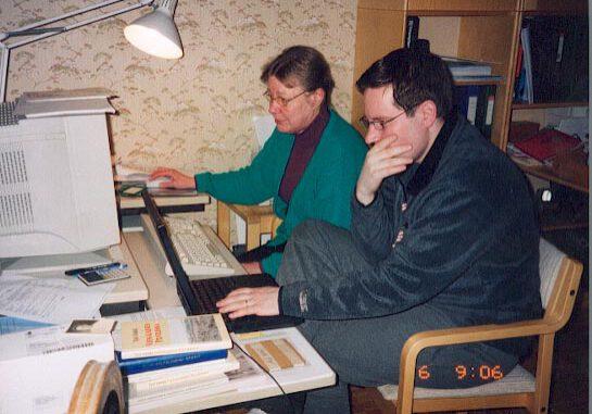 Sukuseura-Sorrit-kotisivuja-tekemässä-keväällä-2002